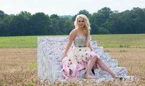 female country music artists- RaeLynn